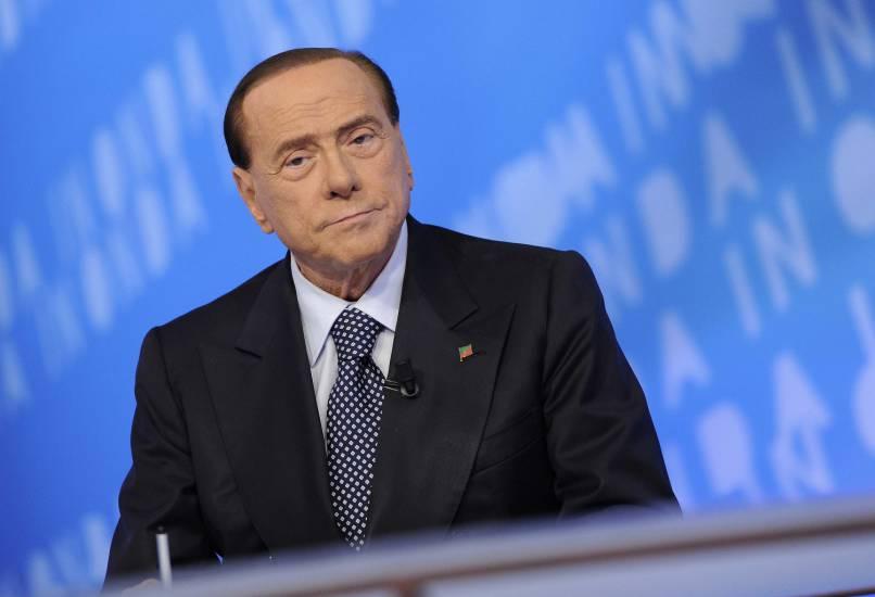 Berlusconi benedice l'operazione Sicilia e vede le urne a gennaio